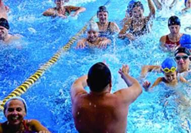 Organização e empenho da equipe garantem piscina cheia mesmo no inverno